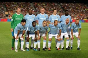 9271847-manchester-city-team-before-the-trophy-joan-gamper-s-match-between-fc-barcelona-and-manchester-city-